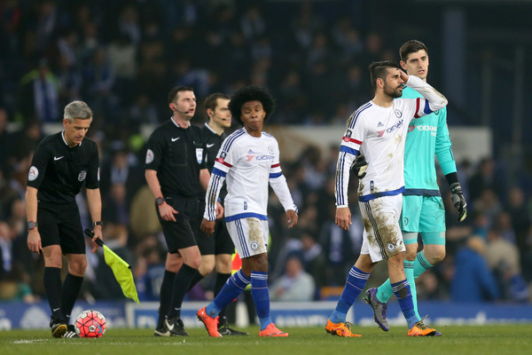 Everton v Chelsea - The Emirates FA Cup Sixth Round [player,sports,team sport,ball game,soccer player,football player,soccer,football,sport venue,team,willian,thibaut courtois,diego costa,v,chelsea,goodison park,everton,emirates fa cup,round,match]