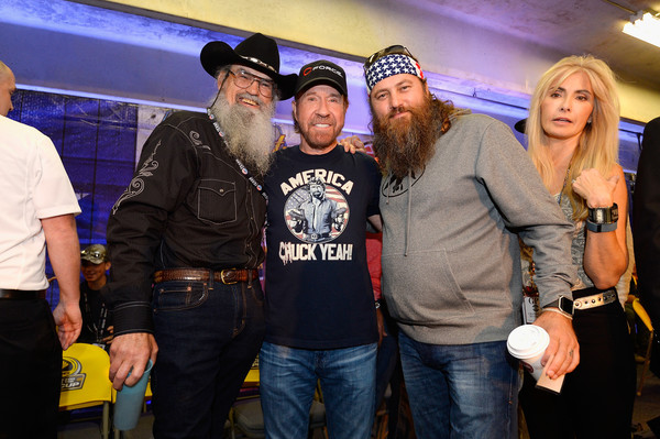NASCAR Sprint Cup Series AAA Texas 500 [duck dynasty,event,party,t-shirt,team,games,chuck norris,drivers,si,willie robertson,texas motor speedway,texas,fort worth,aaa texas 500,nascar sprint cup series]