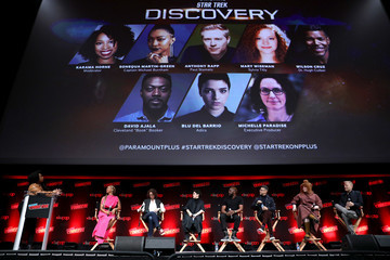 Wilson Cruz Sonequa Martin-Green Paramount+ Brings Star Trek: Discovery Cast and Producer to New York Comic Con for Exclusive Panel