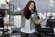 Idina Menzel Photos Photo