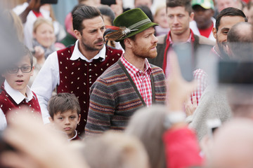 Xabi Alonso Oktoberfest 2014 - Last Day And Riflemen's Salute