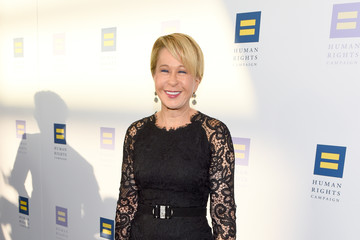 Yeardley Smith The Human Rights Campaign 2017 Los Angeles Gala Dinner - Red Carpet