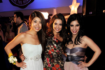 "yin chang dating Janelle ortiz and ayla kell grace the red carpet in gorgeous sue wong dresses at the 2011 sue wong fall ""my fair lady"" fashion event in los angeles on friday morning (march 18)."