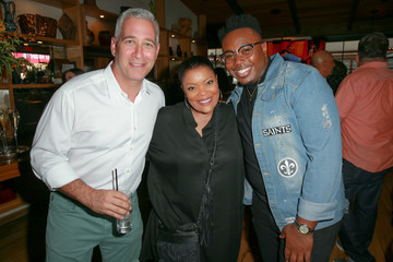 Yvette Nicole Brown CBS Hosts Social Happy Hour Viewing Party For 'The Neighborhood' And 'Happy Together'