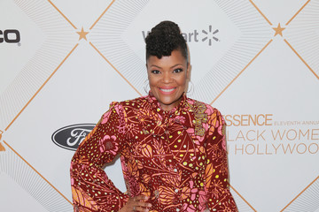 Yvette Nicole Brown 2018 Essence Black Women In Hollywood Oscars Luncheon - Red Carpet