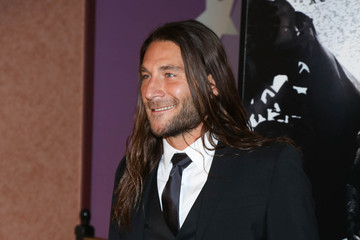 Zach McGowan Pictures, Photos & Images - Zimbio