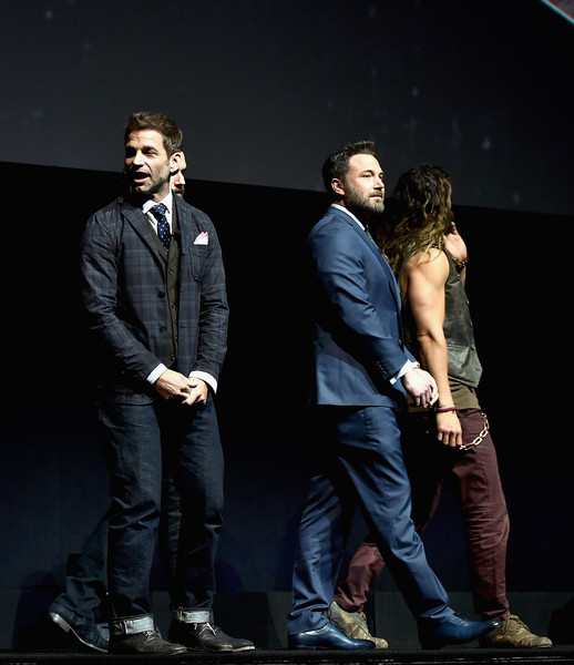 CinemaCon 2017 - Warner Bros. Pictures Invites You to 'The Big Picture' [performance,suit,stage,fashion,event,performing arts,formal wear,photography,acting,scene,the big picture,an exclusive presentation of our upcoming slate,warner bros. pictures invites you,zack snyder,actors,jason momoa,ben afflleck,cinemacon,warner bros. pictures,cinemacon 2017]