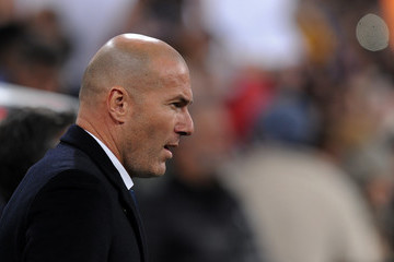Zinedine Zidane Real Madrid v Sevilla - Copa del Rey: Round of 16 First Leg