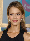 jessica alba dating history zimbio Jessica and cash got married in a quiet ceremony in a beverly hills courthouse, just after announcing jessica's first pregnancy this couple is rightfully featured on our hottest celebrity couples list, and they have an adorable daughter together.