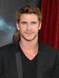 Liam Hemsworth Miley Cyrus engaged