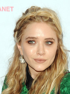 mary kate olsen dating history zimbio Mary-kate olsen - she was: 29he was: 46mary-kate olsen married olivier sarzoky, former french president nicolas sarkozy's half-brother, in 2015 they started dating in 2012 and were rumored to be engaged in 2014 when she.