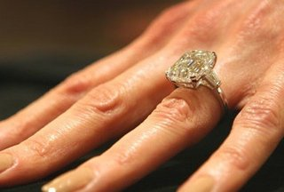 Jaw Dropping Celebrity Engagement Rings Carmen Electra Zimbio