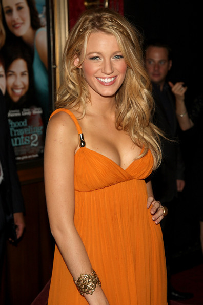 blake lively formal hair. Blake Lively deserves some sort of medal for her hair and makeup (pay