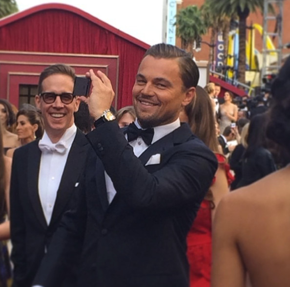 Even Leonardo DiCaprio selfies. - The Best Oscar Instagram ... Leonardo Dicaprio Instagram