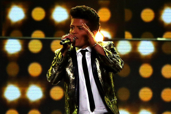 Bruno Mars's Trendy Superbowl Moment, Kate Moss's New Gig, JCPenney's Twitter Typos, and More