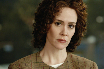 Sarah Paulson Wins First Golden Globe for 'The People v. O. J. Simpson: American Crime Story'