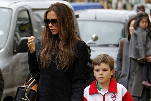 Victoria Beckham's Simple and Chic Winter Look