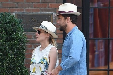 Diane Kruger and Joshua Jackson Get Hatty