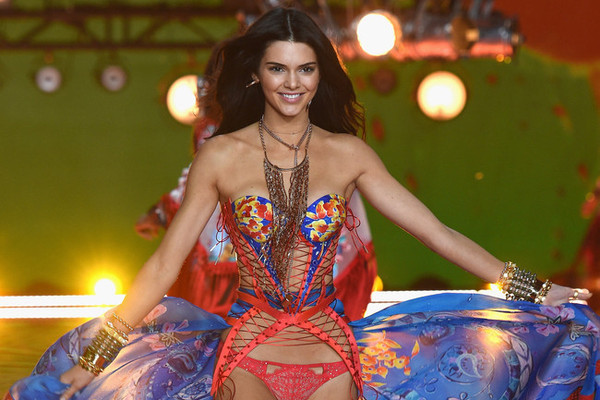 Gigi Hadid, Kendall Jenner, and the Angels Are Rocking the ...