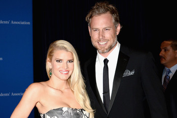 5 Juicy Details About Jessica Simpson's Wedding
