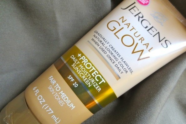 Bye Bye Tan Smell: Jergens Gives Its Natural Glow Collection a Makeover