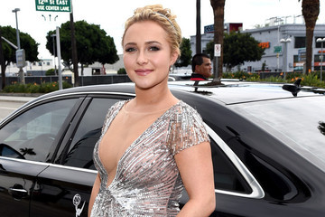 Pregnant Hayden Panettiere Reveals She's Having a Girl