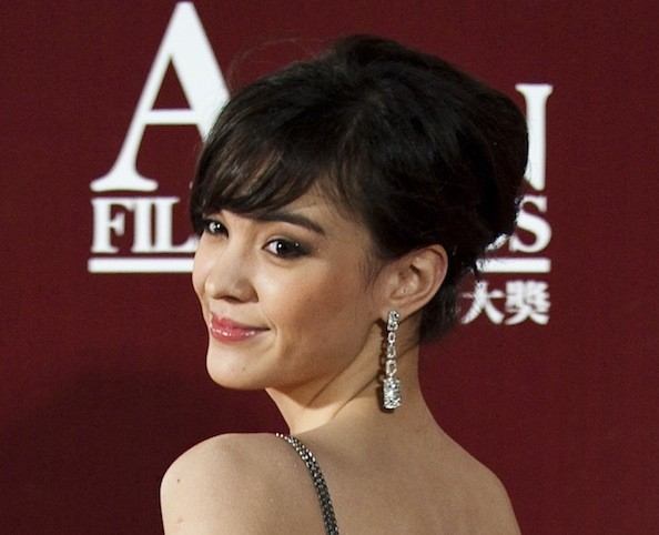 Cute Celebrity-Inspired Asian Prom Hairstyle Ideas