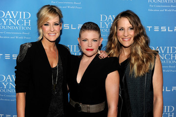 Dixie Chicks Change Their Name To The Chicks And Drop Protest Song