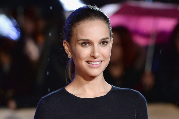 Lovely Natalie Portman Shines in Dior