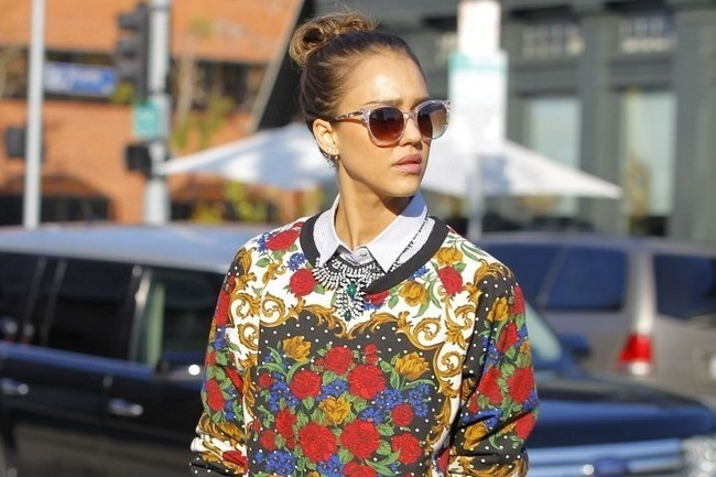 Jessica Alba Mixes and Matches Like a Pro