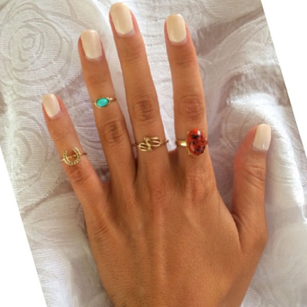 54 Hot Handscapes How To Wear Stackable Rings With Style Jewelry Guide Livingly