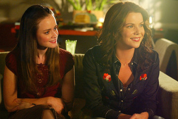 Here's Everything We Know About the 'Gilmore Girls' Revival