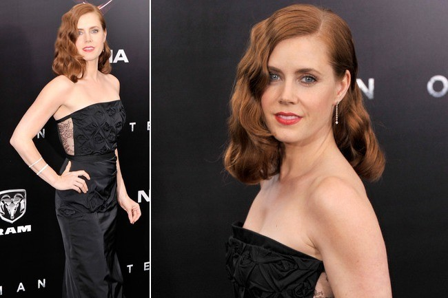 Amy Adams' Romantic Black Rose Gown