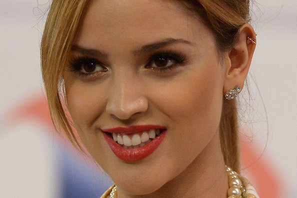 You'll Probably Want to Copy Eiza Gonzalez's Go-To Eye Makeup Trick