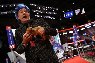 Stephen Colbert Dresses as 'Hunger Games' Caesar Flickerman, Hijacks Republican Convention