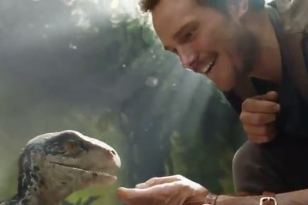 'Jurassic World 2' reveals first footage showing Chris Pratt, baby dinosaur