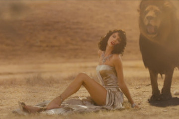 Taylor Swift Releases Long-Awaited 'Wildest Dreams' Music Video During VMAs