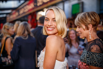 Margot Robbie Is Your New Barbie, Let's Go Party!