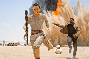 WHEW! 'Star Wars: The Force Awakens' Actually Works