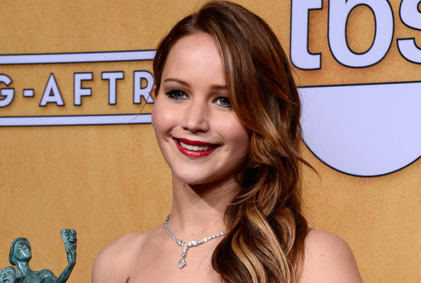 Jennifer Lawrence Didn't Actually Rip Her Dior Couture Dress, You Guys