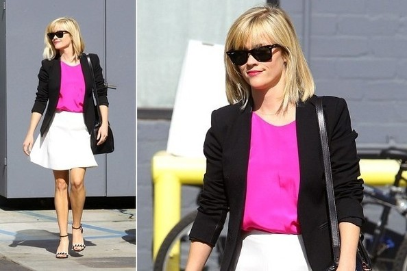 Reese Witherspoon Color Blocks Like a Champ