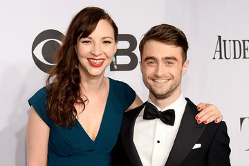 Watch Daniel Radcliffe and His Girlfriend Perform Eminem During Karaoke Night