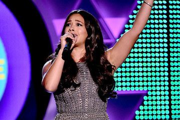 Gina Rodriguez Rapping 'All I Do Is Win' at the 2015 Teen Choice Awards Is Awesome