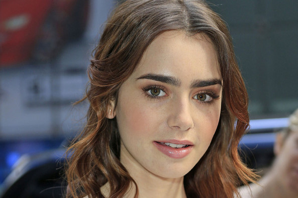 Lily Collins' Romantic Daytime Look