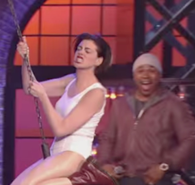 Anne Hathaway Lip Sync Battle: Anne Hathaway Takes Lip Syncing To A Whole Nother Level
