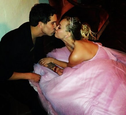 Kaley Cuoco Rang in 2014 with a Wedding