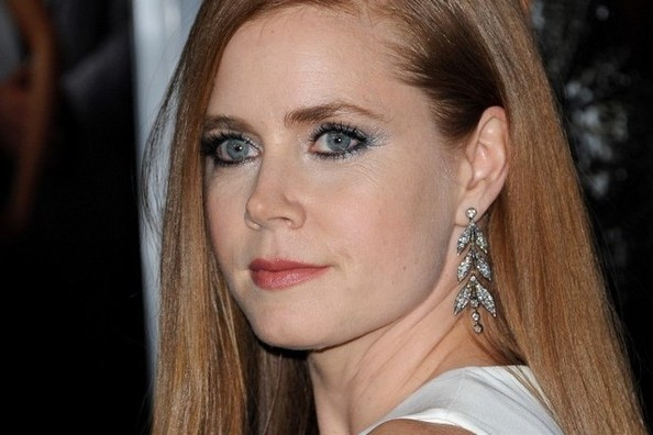 The EXACT Makeup Used to Create Amy Adams' Dramatic, Bold Eye