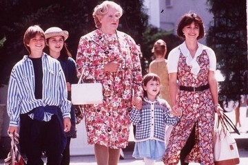'Mrs. Doubtfire' Actors Pay Tribute to Robin Williams