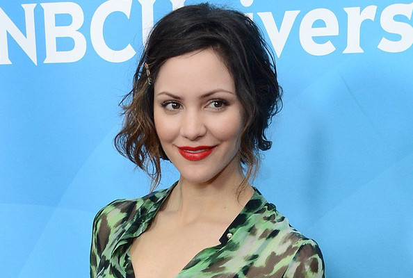 30-Second DIY - Katharine McPhee's Sideswept Bangs