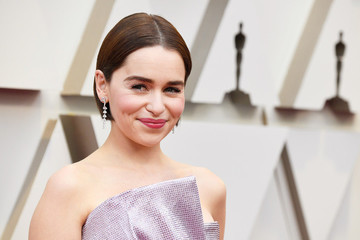 Emilia Clarke Shouts Out RBG On Oscars Stage